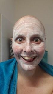 Gesichtsmasken und Glatzenfun